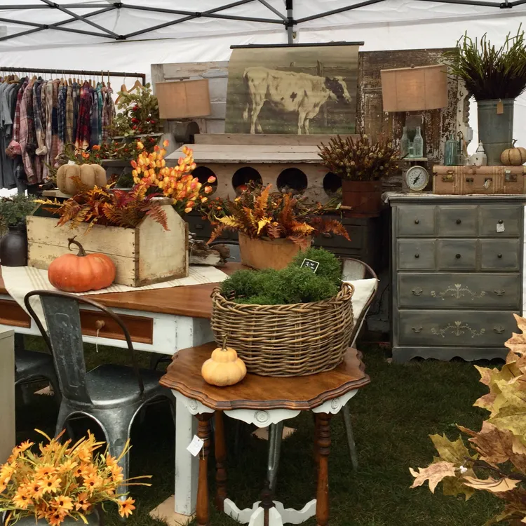 Great booths at 2018 Stuff With Style Market